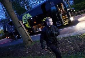 Pemain cedera apabila bas pasukan Borussia Dortmund diserang