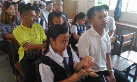 'Tangan Ayah Kamu Yang Berdaki Dan Berkedut Itulah Yang Mencari Rezek' – Cikgu Emmet