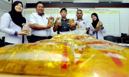 AKSEM rampas 18,700 paket minyak masak subsidi