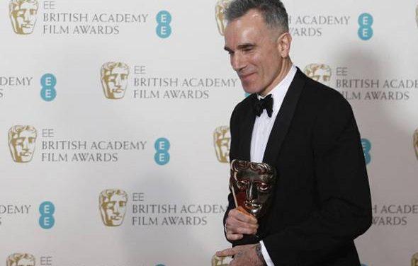 Pemenang Oscar Daniel Day-Lewis bersara dari dunia lakonan
