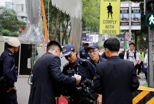 Singapura hantar pulang dua petugas media Korea Selatan